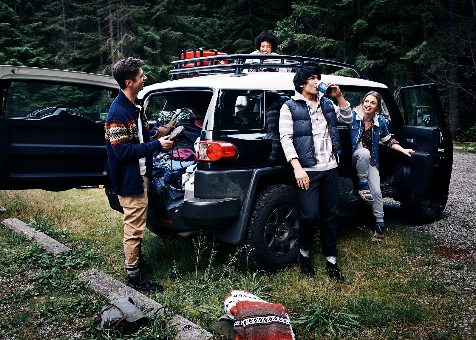 lifestyle photoshoot captures hanging out in the Pacific Northwest
